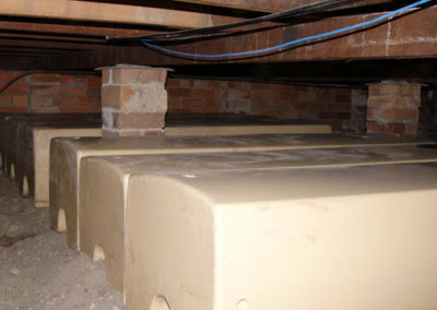 5 x 330L storage tanks in merino mounted under floor